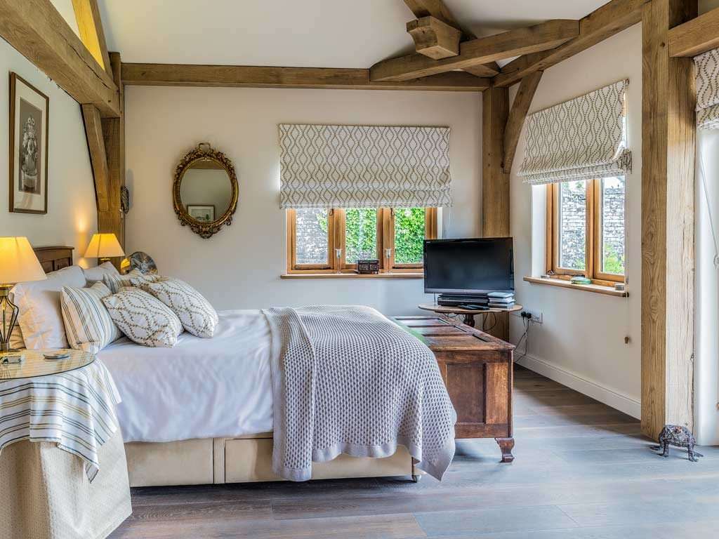 oak frame house master bedroom